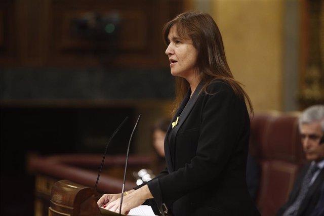 La portavoz de Junts per Cataluña en el Congreso, Laura Borràs interviene durante la segunda sesión del debate de investidura del candidato socialista a la Presidencia del Gobierno.