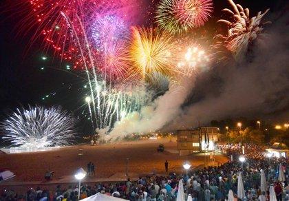 Los fuegos de la Semana Grande se lanzarán mañana desde la Segunda Playa del Sardinero