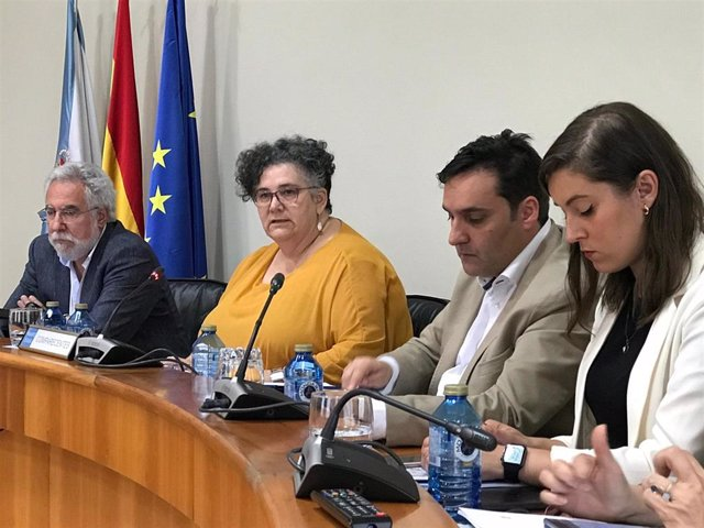 La valedora do Pobo, Milagros Otero, en la Comisión de Peticións