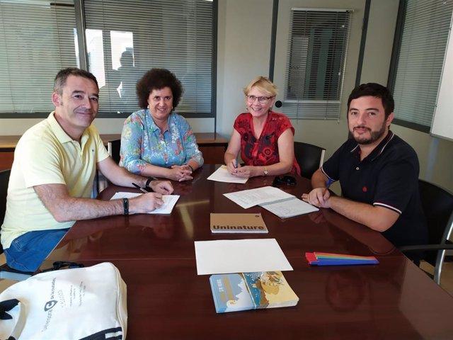 Reunión entre la Defensora de la Ciudadanía de Palma, y la regidora y el director del Area de Salut del Ayuntamiento