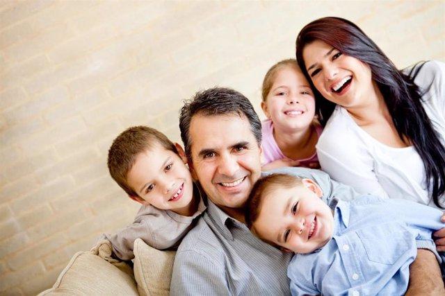 Familia numerosa en Tres Cantos se beneficia de descuentos del IBI