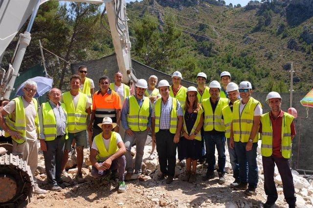 El conseller de Movilidad e Infraestructuras del Consell, Ivan Sevillano, en la visita al tercer muro de piedra en seco más alto de Mallorca