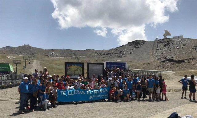 Voluntarios de 'La Caixa' en Sierra Nevada