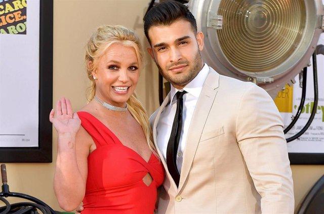 Britney Spears y Sam Asghari en la alfombra roja de 'Once Upon a time... In Hollywod'