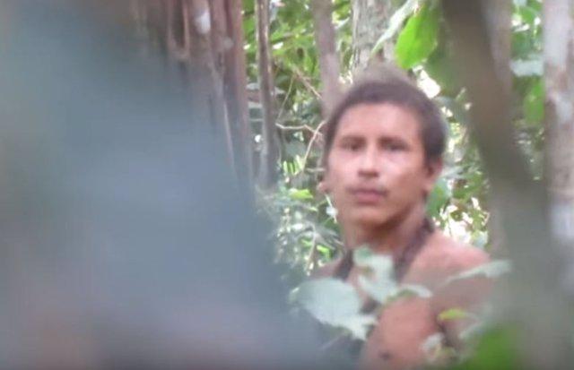 Miembro de la tribu no contactada de Brasil