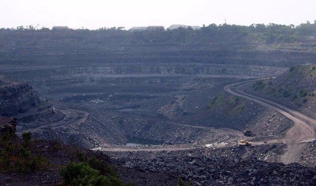 Imagen de una mina de carbón a cielo abierto.