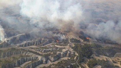 """Continúan las labores de extinción del incendio de Perdiguera que evoluciona """"favorablemente"""""""
