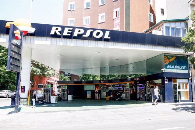 Gasolinera Repsol en Madrid.