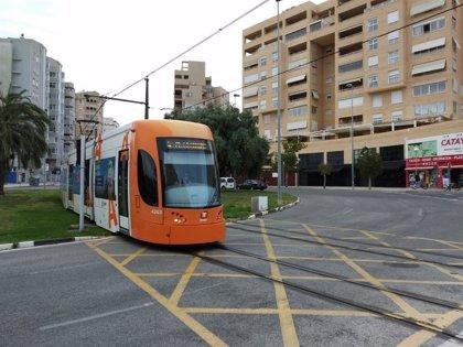 Un TRAM atropella a una mujer de 74 años en la glorieta de Paqui Veza de Alicante
