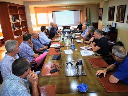El Puerto de Almería y los sectores agrícola y logístico aceleran la puesta en marcha del barco de hortalizas a Francia
