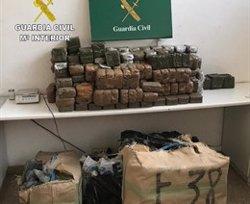 Un detingut a la Jonquera per portar més de mitja tona d'haixix en una furgoneta robada (ACN)