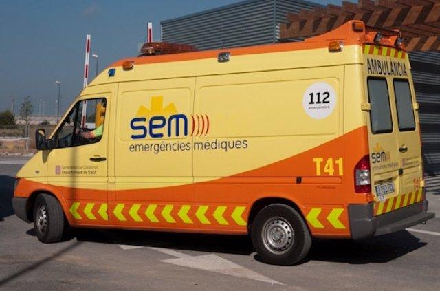 Una ambulància del Sistema d'Emergències Mèdiques
