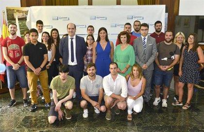 Santander contrata a los primeros 26 desempleados de Corporaciones Locales de 2019