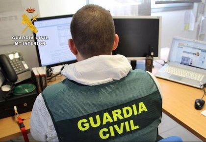 La denuncia de un vecino de Montánchez permite detener a un estafador que usaba la identidad de un fallecido