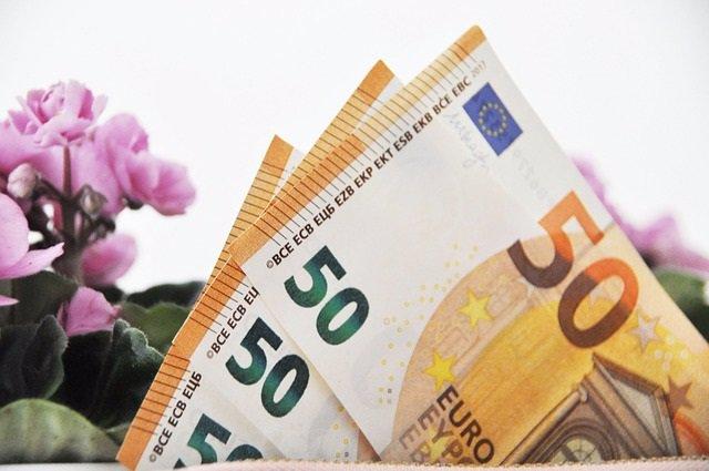 Imagen de archivo dinero.