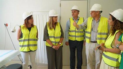 Armengol visita les obres de reconversió del vell Hospital Can Misses, que costaran 3,9 milions d'euros