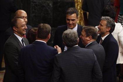 """Pedro Sánchez felicita a Boris Johnson y subraya que quiere """"trabajar estrechamente"""" con su Gobierno"""