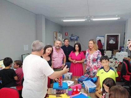 """Diputación valora la """"formación especializada"""" y el """"fomento del empleo"""" del Campus TIC de Ubrique (Cádiz)"""