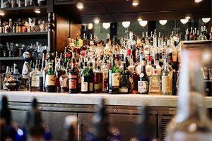 ¿Qué está ocurriendo en Costa Rica con el alcohol adulterado?