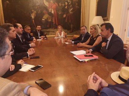 Senadores del PP se reúnen con representantes de la oposición venezolana