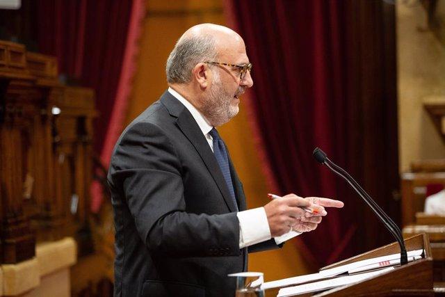 Eduard Pujol (JxCat) intervé durant el ple del Parlament de Catalunya