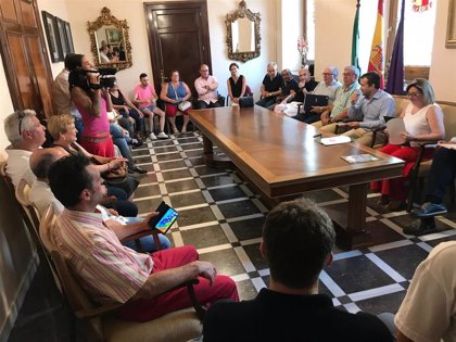El alcalde de Jaén y la Federación de Asociaciones de Vecinos abordan las actuaciones pendientes en los barrios