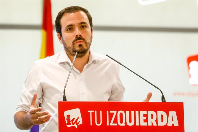 El coordinador federal de Izquierda Unida (IU), Alberto Garzón, interviene y expone su informe político centrado en el debate de investidura del próximo fin de semana en el Congreso en la Sede Federal de IU en Madrid.
