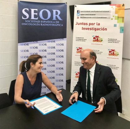 CRIS Contra el Cáncer y SEOR firman un convenio de becas para la formación de investigadores
