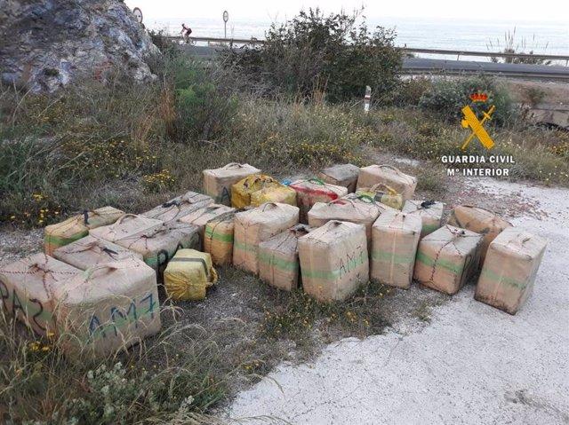 Fardos de hachís intervenidos en las operaciones 'Cuervo, Ateniza Y Alemar'