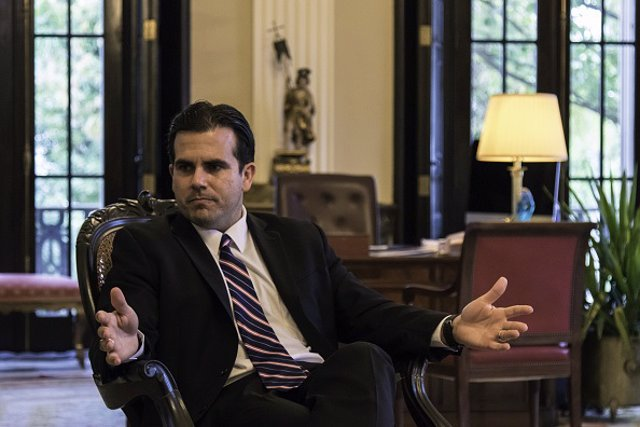 El gobernador de Puerto Rico presenta su dimisión tras semanas de protestas