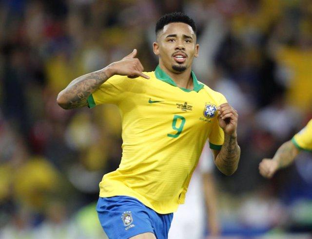 Gabriel Jesus celebra su gol en la final de la Copa América entre las selecciones de Brasil y Perú