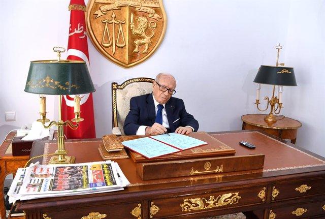 Beji Caid Essebsi en el despatx presidencial a Tunísia