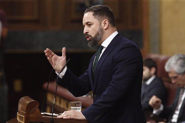 El president de VOX, Santiago Abascal, durant la seva intervenció al Congrés dels Diputats, prèvia a la segona votació per a la investidura del candidat socialista a la Presidència del Govern.