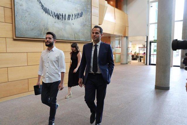 El candidat de Ciutadans a la Presidència de la Comunitat de Madrid, Ignacio Aguado, arriba a la reunió de la Junta de Portaveu dels Grups Parlamentaris en l'Assemblea de Madrid.