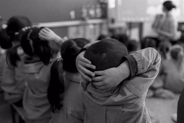 Colegio, aula, primaria, infantil, clase, niño, niña, niños, jugando, jugar, juegos, profesor, profesora, profesores