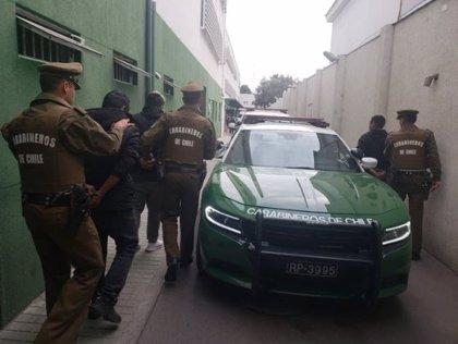 Resultan heridos ochos policías tras la detonación de un artefacto explosivo en una comisaría en Chile