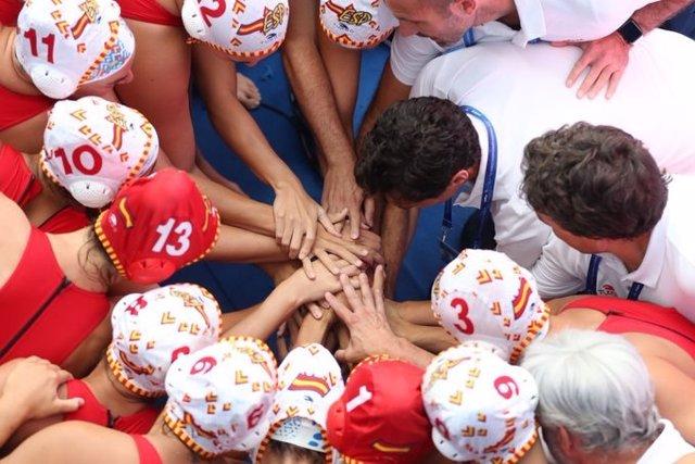 La selecció espanyola de waterpolo femení fa pinya abans de la final del Mundial de 2019