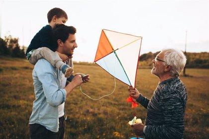 El 66% de los españoles considera cada vez más importante la figura del abuelo en el entorno familiar