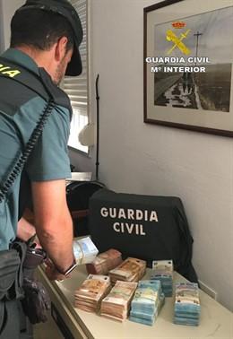 """[Grupohuelva] Remitiendo Np Opc Huelva """"La Guardia Civil Interviene 100000€ En El Interior De Un Vehículo En Punta Umbría"""""""