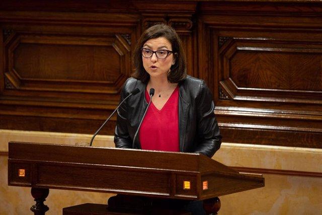 La portaveu del PSC, Eva Granados, intervé en un ple del Parlament al maig