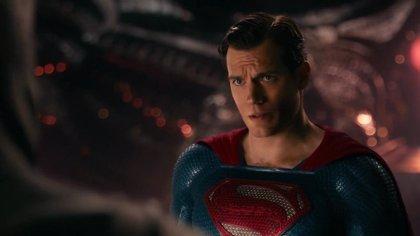 Henry Cavill quiere seguir siendo Superman