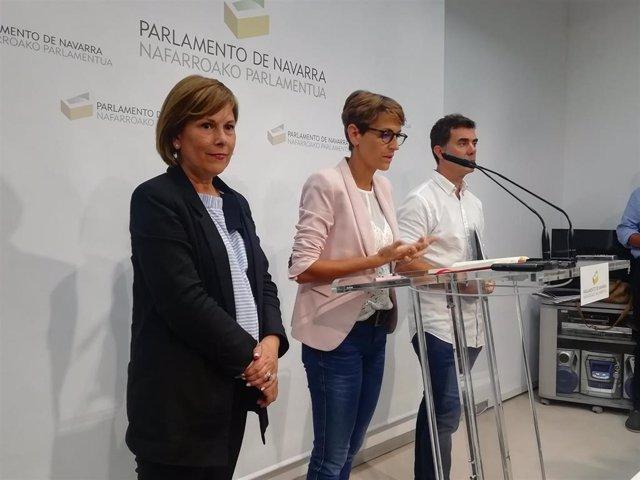 Uxue Barkos, María Chivite y Eduardo Santos.