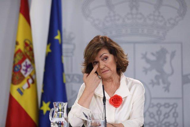 La vicepresidenta del Gobierno en funciones, Carmen Calvo, comparece ante los medios de comunicación tras la reunión del Consejo de Ministros en Moncloa, celebrada un día después a la segunda votación fallida a la investidura del candidato socialista a