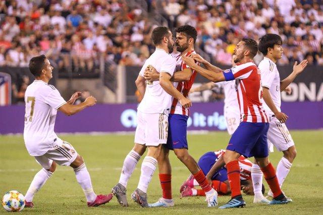 Dani Carvajal discute con Diego Costa.