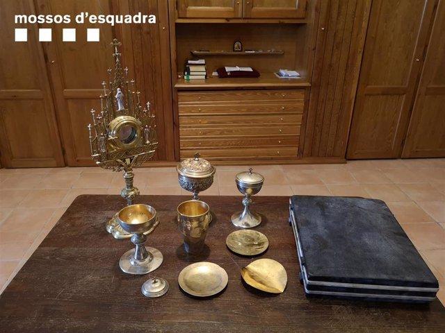 Objetos religiosos sustraídos de las iglesias de Sant Martí de Calonge y Sant Antoni de Calonge (Girona).