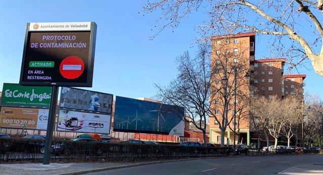 Información sobre el corte de tráfico en una de las pantallas de Valladolid