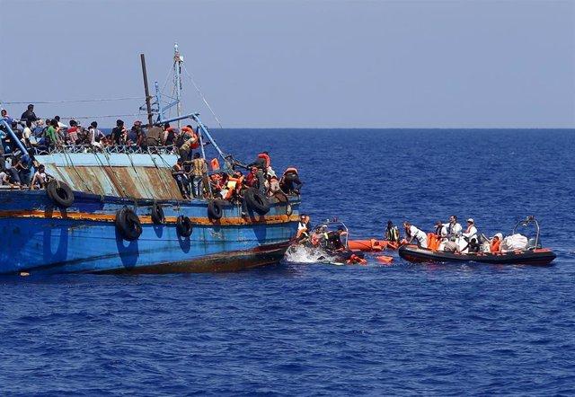 Migrantes a la deriva en Libia