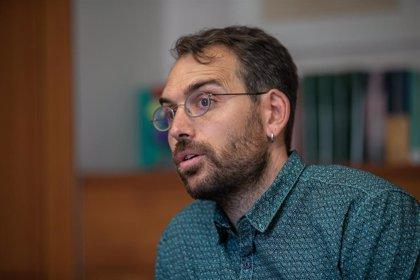 """Valero (IU) apremia a Sánchez a abandonar la """"ambigüedad"""" entre izquierda o derecha y priorizar políticas de calado"""