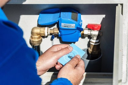 Una empresa de Málaga evita pérdida de agua con tecnología pionera capaz de reparar fugas desde el interior de tuberías