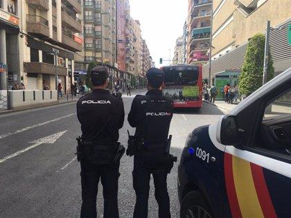 Detenido en València un hombre cuando salía de un edificio en el que quemó una habitación del piso de su hermana
